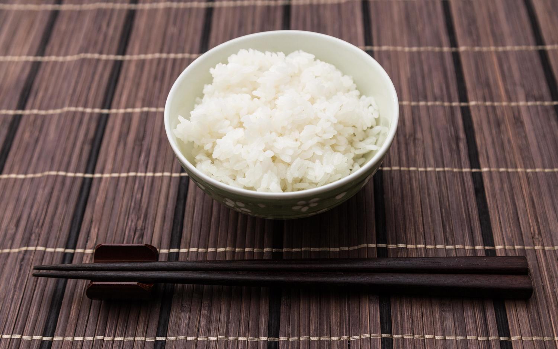 「日本酒で太る」はウソ?!その噂の真偽を現役管理栄養士が解説します。