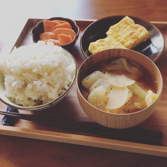 サプリメントを買ったり野菜の量を増やす前に お米を食べれば栄養素は補給できる