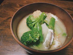 「意外にイケる!」最近やってみて美味しかった味噌汁の変わり種具材3つ